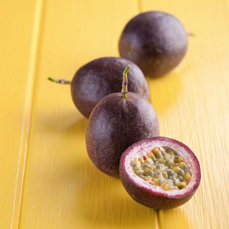 misty-gem-australian-passionfruit-variety